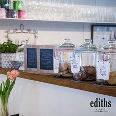 Auch leckere Cookies gibt es bei uns im ediths Café. Bar Cart, Furniture, Home Decor, Nice Asses, Decoration Home, Room Decor, Home Furnishings, Home Interior Design, Home Decoration