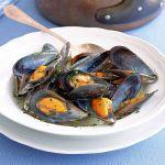 La versione più facile e veloce per cuocere delle sfiziose cozze? Leggi la ricetta di Sale&Pepe delle cozze alla marinara.