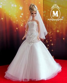 Wedding Dress For Barbie. by napatsaa on Etsy Barbie Bridal, Barbie Wedding Dress, Wedding Doll, Couture Wedding Gowns, Barbie Dress, Barbie Clothes, Bridal Dresses, Poppy Parker, Bride Dolls