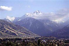Llegando a Almaty, Un paisaje muy bello con unas impactantes montañas. Si quieres informarte más acerca del Desafío Madrid Xanadu-Siberia entra en el blog. http://www.madridxanadu.com/blog/index.php/category/desafio-xanadu-siberia/