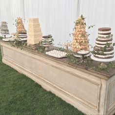 #DessertTablescape #sinclairandmoore