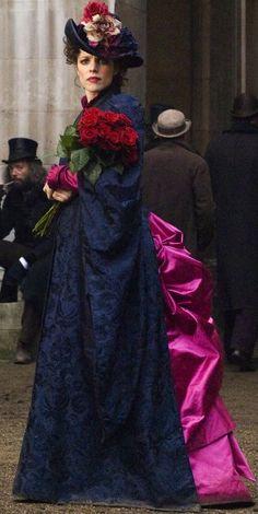 Rachel Adams as Irene Adler in 'Sherlock Holmes' - Costume Designer: Jenny Beavan
