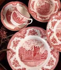 Look, y'all!  It's my china pattern!  <3  Always.