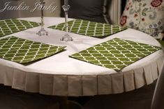 Pleated semi-fitted tablecloth TUTORIAL