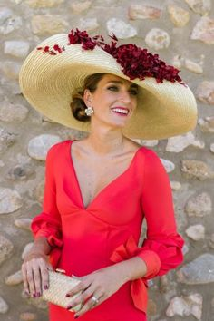 More women should wear hats. Races Fashion, Fashion Outfits, Fascinator Hats, Fascinators, Headpieces, Ascot Hats, Wedding Guest Style, Fancy Hats, Beanies
