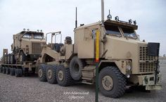 Heavy Equipment Transport (HET) M1070 Tractor with the M1000 Trailer.