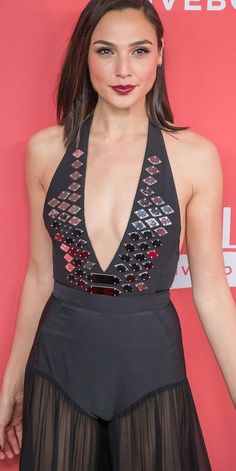 Celebs Discover 15 Gal Gadot pics that will make you instantly fall in love Beautiful Celebrities Beautiful Actresses Gorgeous Women Hollywood Celebrities Hollywood Actresses Gal Gardot Gal Gadot Wonder Woman Actrices Hollywood Woman Crush Beautiful Celebrities, Beautiful Actresses, Gorgeous Women, Gal Gardot, Gal Gadot Wonder Woman, Hollywood Celebrities, Hollywood Actresses, Ideias Fashion, Celebs