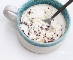 Domácí jogurtová stracciatella zmrzlina Baking Ingredients, Cookie Dough, Sugar Free, Smoothie, Oatmeal, Food And Drink, Ice Cream, Cooking, Breakfast
