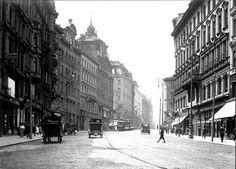 Wien, Mariahilferstraße um 1900 ..... Empire House, Urbane Fotografie, Good Old Times, Austro Hungarian, Back In Time, Old City, Old Pictures, Vintage Travel, Vintage Postcards