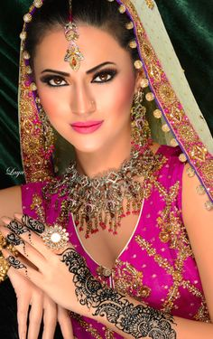 Bridal Gallery :: Khush Mag - Asian wedding magazine for every bride and groom planning their Big Day Indian Bridal Makeup, Asian Bridal, Bridal Beauty, Bridal Henna, India Fashion, Asian Fashion, Moda Indiana, Beautiful Bride, Beautiful Women