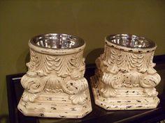 Pretty elevated dog bowls.