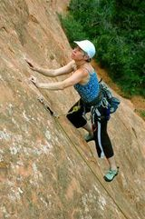 Your Rope is Your Lifeline -- What's the Best Climbing Rope: Carol Garfinkel trusts her rope on a sandstone slab route at Red Rock Canyon, Colorado. Rock Climbing Gear, Climbing Rope, Climbing Shoes, Sandstone Slabs, Canyon Colorado, Rappelling, Take That, Good Things, Red