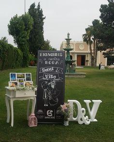 Rincón de Bienvenida en la boda de Dani y Vito en los Jardines del Caballo Blanco el 6 de Junio 2015 (Granada) #kampaibodas #bodas #vintage #chic