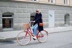Hanna Stefansson - Pompadour red bike