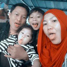 Marsha with Mommy, Papi and Babang