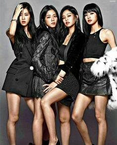 Blackpink Fashion, Fashion Poses, Korean Fashion, Kpop Girl Groups, Kpop Girls, Super Junior, Blue Anime, Bts Girl, Kim Jisoo