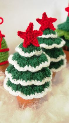 FLOCKED CHRISTMAS TREE FREE PATTERN AND TUTORIAL
