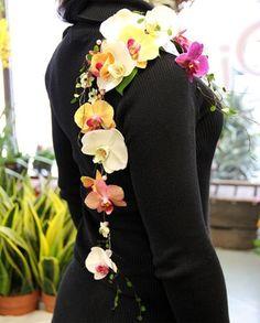 Häät, pukukoriste Varanasi, Floral Tie, Fashion, Moda, Fashion Styles, Fasion