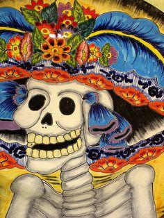 Pour avoir une vie meilleure   je suis tombé amoureux de la mort,   je suis tombé amoureux de la mort   pour avoir une vie meilleure.   Il a été si bon, mon sort,   (et ma passion eut ses faveurs)   qu'aujourd'hui je domine la mort :   c'est que je suis son créateur.      Costa Chica d'Oaxaca