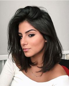 It is, in the first place, among the hair styles that all ladies love very much. Models that can create very different designs with hair colors like sweep and shadow are very cool. Canapés of long bob… Continue Reading → Medium Hair Cuts, Medium Hair Styles, Curly Hair Styles, Medium Curly, Trending Hairstyles, Bob Hairstyles, Bob Haircuts, Straight Hairstyles, Brunette Hairstyles
