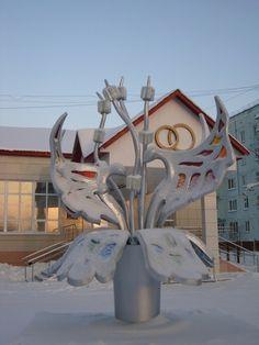 """Скульптура """"Вечная Любовь"""" возле ЗАГСа Ну просто две кобры"""