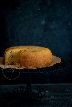 Receta Arepa (Pastel Dominicano de Maíz): pastel a base de harina de maíz que se prepara tradicionalmente en un caldero de hierro encima de carbón encendido.