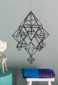 Himmeli pilleistä – katso vaihe vaiheelta -ohjeet | Meillä kotona Crafts To Do, Diy Crafts, Christmas Crafts, Christmas Decorations, Xmas, Sacred Geometry, Diy Tutorial, Craft Projects, Crafty