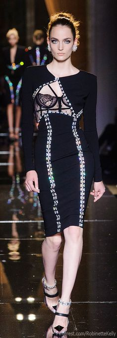 Versace Atelier Haute Couture | F/W 2  naaaaa.... to sexy for myself.....