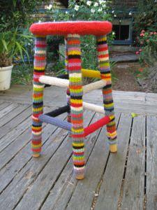 https://streetcolor.wordpress.com/2012/05/23/yarnbombing-and-yarnbombing-your-house/