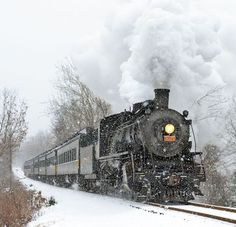 Steam TrainYou can find Old trains and more on our website.Essex Steam TrainEssex Steam TrainYou can find Old trains and more on our website. Train Art, By Train, Train Tracks, Train Rides, On The Train, Train Vacations, Shotting Photo, Train Route, Bonde