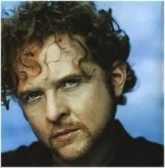Simply Red--An entertainer who uses his pain to flavor his music. He has my deepest respect.