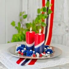 17 Mai Norway National Day, Constitution Day, Public Holidays, Time To Celebrate, Pillar Candles, Birthday Candles, Food, Deco, Google