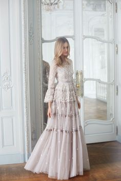 """Roses"" dove-gray tulle tiered wedding dress with scalloped details dresses Needle & Thread Fall 2017 Wedding Dress Collection Bridal Collection, Dress Collection, Pretty Dresses, Beautiful Dresses, Romantic Dresses, Outfit Chic, Peplum Outfit, Lace Peplum, Hijab Outfit"