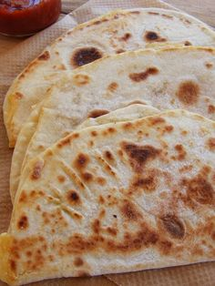 Done flat bread Bread Dough Recipe, Buzzfeed Tasty, Hungarian Recipes, Health Eating, Naan, Lunches And Dinners, No Bake Cake, Food Videos, Food To Make