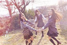"""G-Friend Looks Perfect in Their """"Snowflake"""" Group Teaser Photos Gfriend Snowflake, South Korean Girls, Korean Girl Groups, Gfriend Album, Photoshoot Images, Cloud Dancer, Summer Rain, G Friend, Musical"""