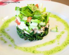 Tartaar van gerookte makreel met gemarineerde groentjes en peterselie-spinazie-olie