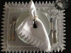 Rendas para enfeitar a mesa