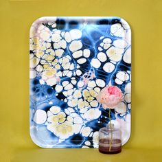 Serving tray 'Ocean Sparkle', based on paper marbling. Available at studioformata.se