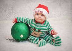 Christmas baby pictures by Mia DeMeo photography