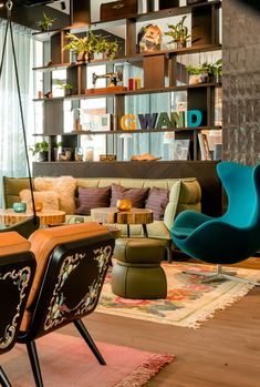 As you can see, our design in Motel One Salzburg-Süd has a masterfully hand-crafted flair. In the lounge, you'll find cosy seating nooks covered in fabrics that take inspiration from traditional attire known as Trachten. Salzburg, Motel One, Nook Cover, Egg Chair, One Design, Nooks, Cosy, Fabrics, Lounge