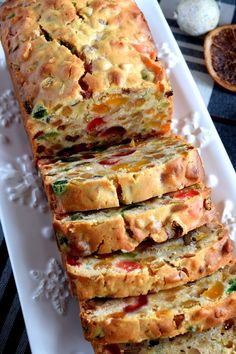 Christmas Apricot and Walnut Fruitcake - Lord Byron's Kitchen - Food: Veggie tables Xmas Food, Christmas Cooking, Christmas Desserts, Christmas Fruitcake, Christmas Bread, Christmas Christmas, Christmas Ornament, Baking Recipes, Cake Recipes