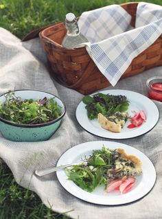 Picnic in Central Park with Jewels of New York and BLE's Porcelain Enamelware