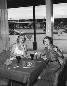 Gracie Allen and Bea Benaderet at The Sahara Hotel. Old Hollywood Stars, Classic Hollywood, Petticoat Junction, George Burns, Comedy Duos, Old Time Radio, Betty White, Stars Then And Now, Classic Tv