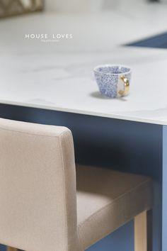 Projekt NAVY - granatowa, elegancka kuchnia w klasycznym stylu Kitchenaid, Kitchen Design, Ottoman, House, Dream Kitchens, Chair, Furniture, Home Decor, Decoration Home