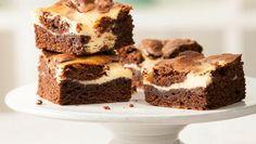 Eierlikör-Brownies | Eierlikörcreme macht diese Eierlikör-Brownies saftig und köstlich. Ein tolles Backrezept, im Handumdrehen fertig und Stück für Stück ein Genuss.