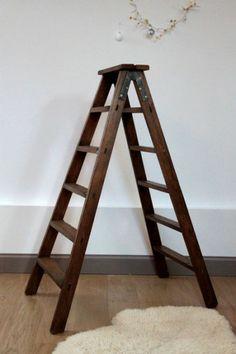 Ancien escabeau de peintre en bois chelle double pour for Meuble alsemberg