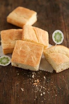 Check out what I found on the Paula Deen Network! Southern Cornbread http://www.pauladeen.com/recipes/recipe_view/southern_cornbread