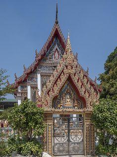 2014 Photograph, Wat Dan Phra Ubosot Gate, Bang Phong Phang, Yannawa, Bangkok, Thailand, © 2014.  ภาพถ่าย ๒๕๕๗ วัดด่าน ทรวาร พระอุโบสถ บางโพงพาง เขตยานนาวา กรุงเทพฯ ประเทศไทย