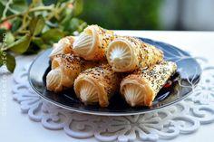 RETETE DE PRAJITURI FESTIVE - Rețete Fel de Fel Sushi, Garlic, Deserts, Vegetables, Ethnic Recipes, Liberia Africa, Food, Romania, Kitchen