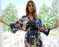 Hey, j'ai trouvé ce super article sur Etsy, chez https://www.etsy.com/fr/listing/197590002/vente-kimono-peignoir-satin-robe-bleu